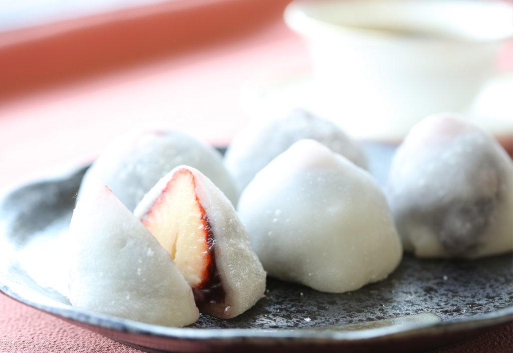 レンジと白玉粉で簡単に作れるいちご大福