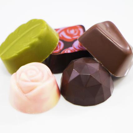 ホワイトデーに人気のお菓子チョコレート画像